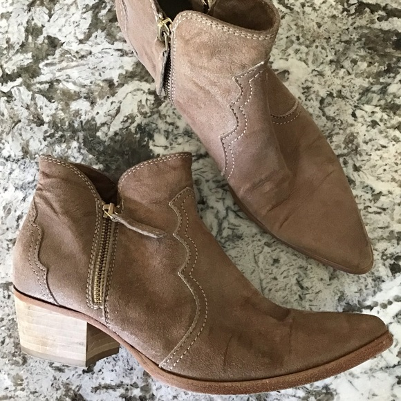 018e33cdd8a56 SUNDANCE italy suede pointy western ankle boots 7